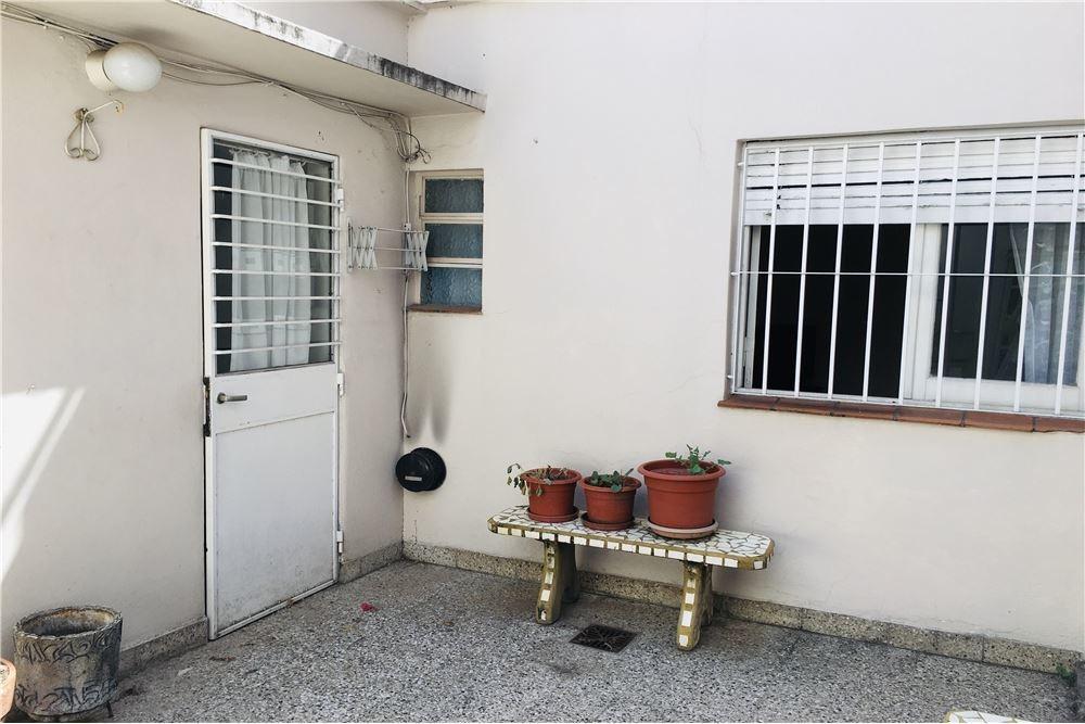venta ph 3 ambientes con cochera villa sarmiento