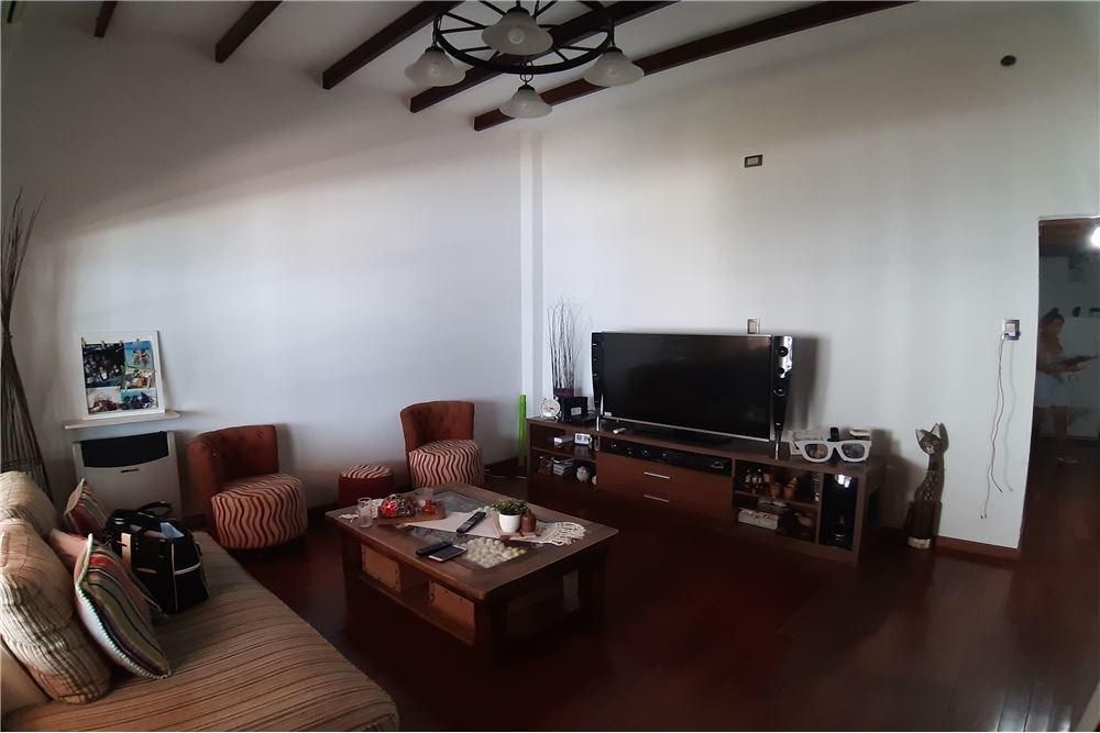 venta ph 3 ambientes con pileta saenz peña