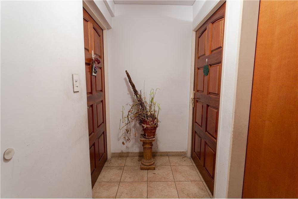 venta ph 3 ambientes c/patio en villa ballester