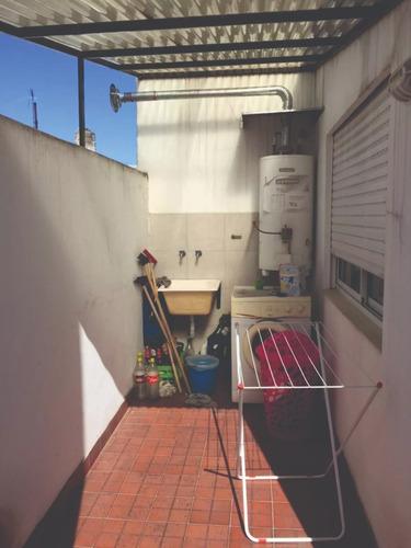 venta  ph  3 ambientes  c/patio y lavadero parque avellaneda