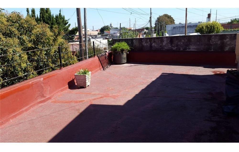 venta ph 3 ambientes en bernal con patio terraza