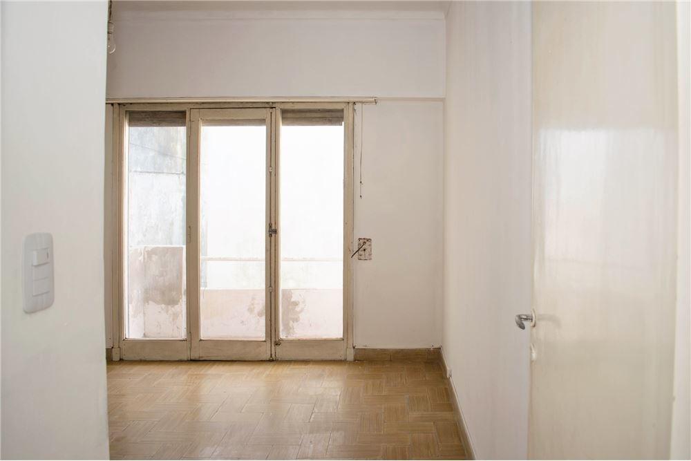 venta ph 3 ambientes en pb 200 m2 sup.total