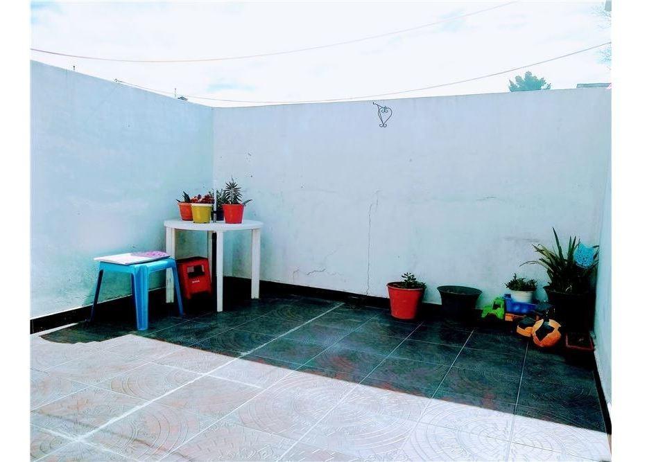 venta ph 3 ambientes loma hermosa con patio