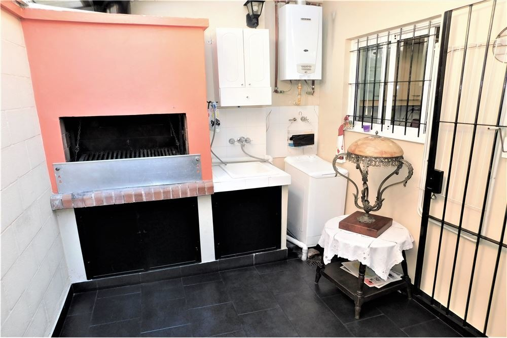 venta ph 3 ambientes patio con parrilla y cochera
