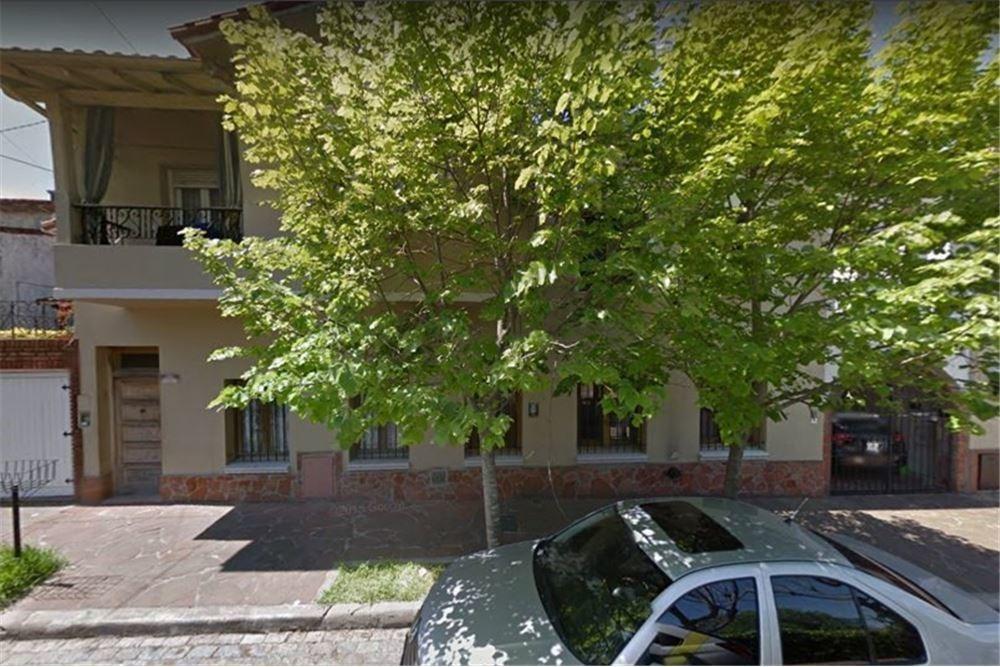 venta ph 3 ambientes terraza y patio a reciclar.