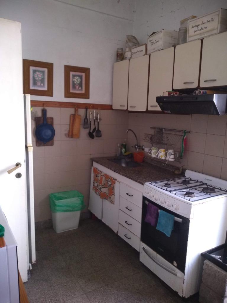 venta ph 3 ambientes y dependencia de serv.c/baño echeverria 1500