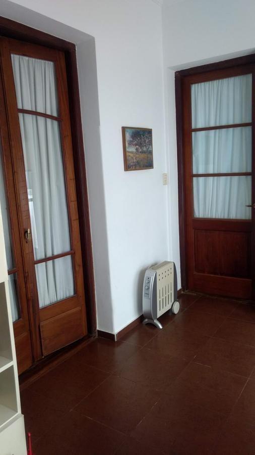 venta ph 3 dormitorios, antiguo, excelente estado. 50 e/ 3 y 4