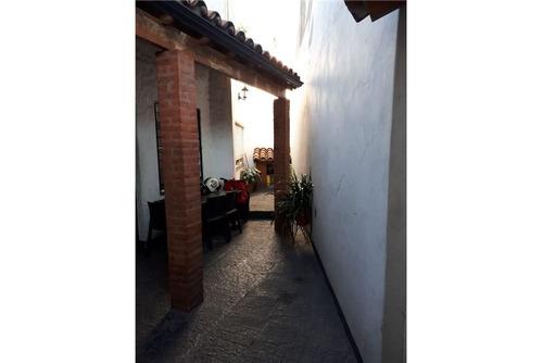 venta ph 4 amb c/ jardín,patio y terraza .ent.ind.