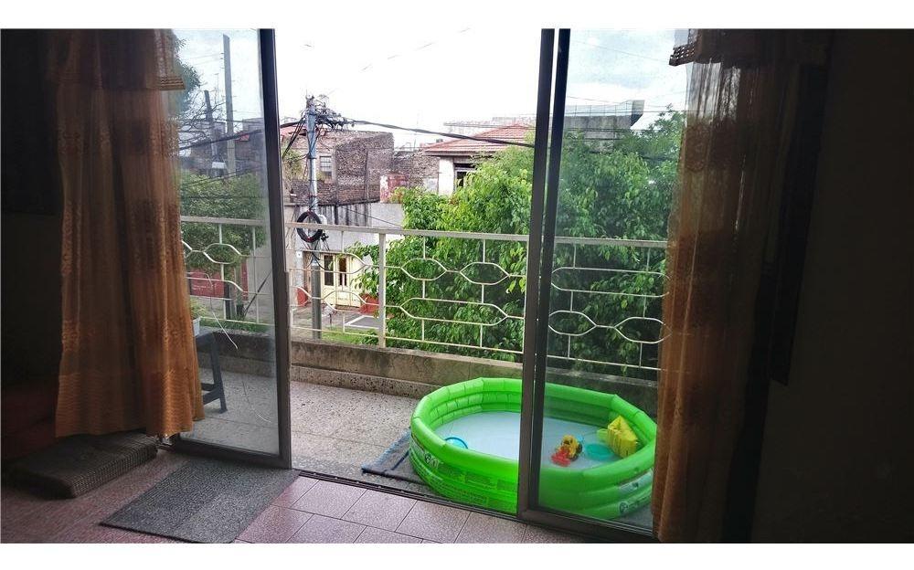 venta ph 4 amb. cochera, patio, terraza y balcónes