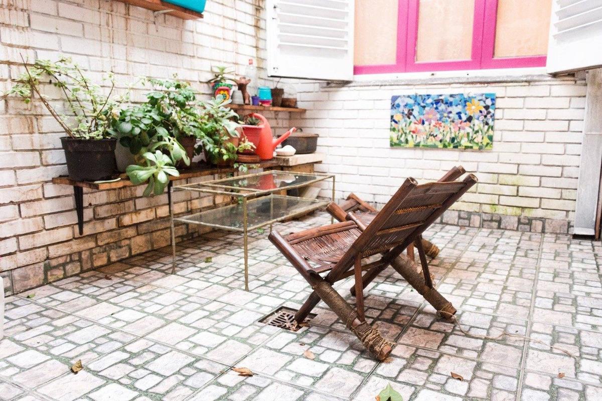 venta ph  4 amb. cochera. patio.  unica propiedad sobre lote. azcuenaga 2000