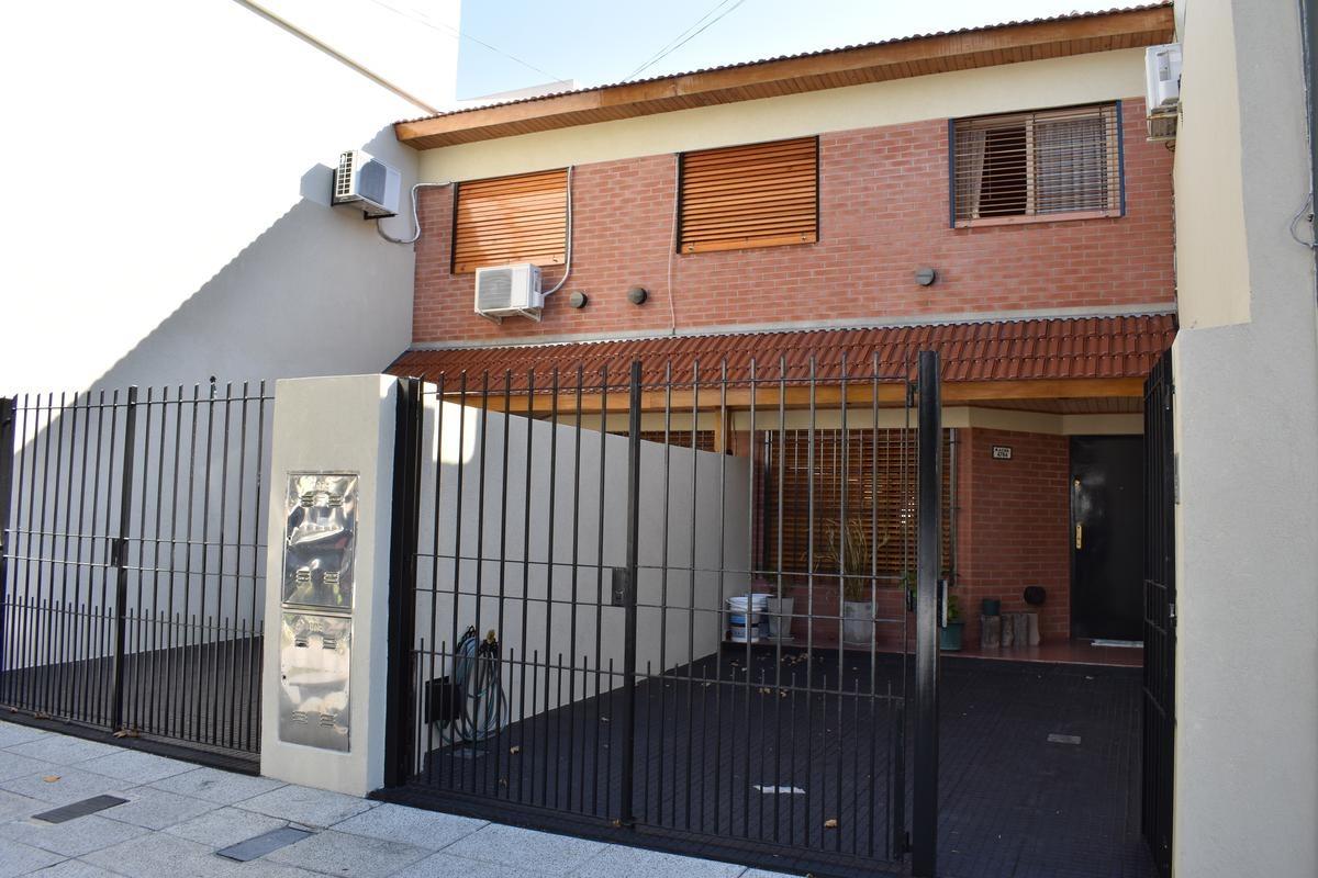 venta ph 4 ambientes con cochera piscina y parrilla - saavedra