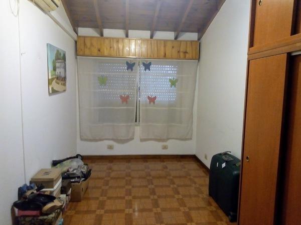 venta. ph 4 ambientes. excelente estado. con cochera. villa celina.