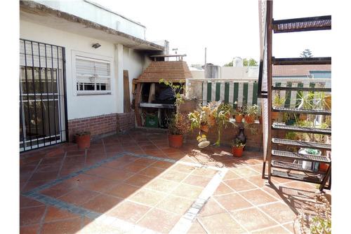 venta ph al frente con terraza propia y patio!