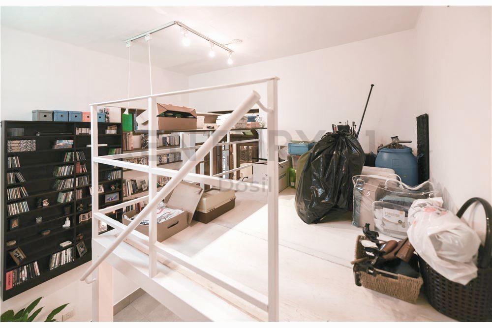 venta ph coghlan,5 ambientes,2 patios,1 terraza,excelente propiedad!
