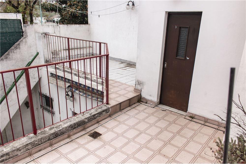 venta ph  con patio y terraza s/expensas