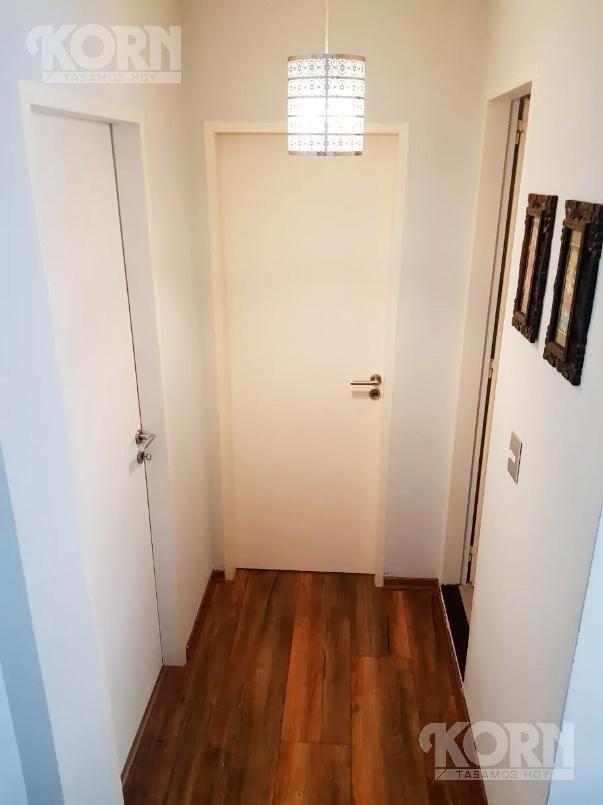venta ph de 2 ambientes con patio y terraza en villa gral. mitre