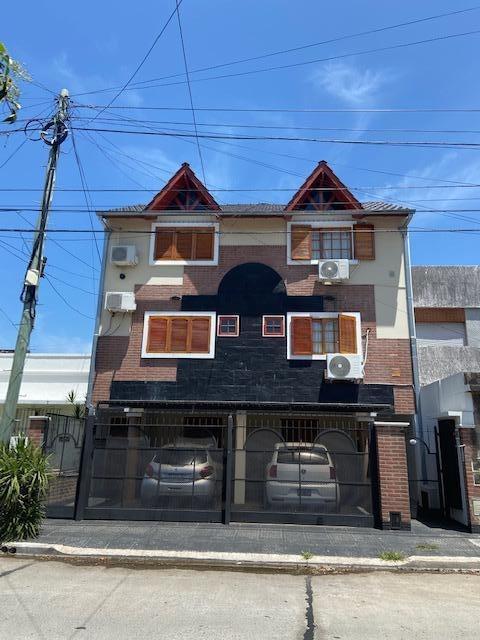 venta ph  de tres ambientes en barrio naon- mataderos