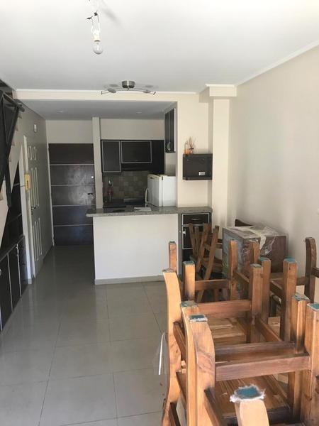 venta ph de tres ambientes en triplex con terraza propia  - liniers