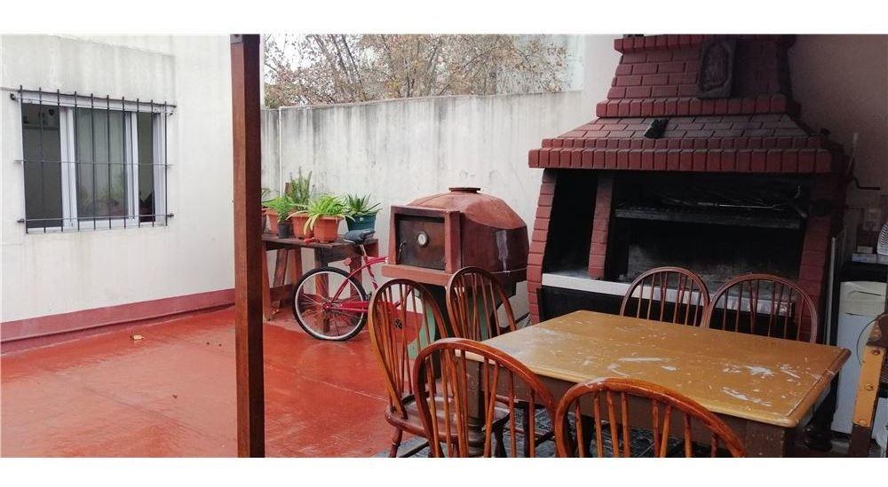 venta ph dos plantas a la calle terraza