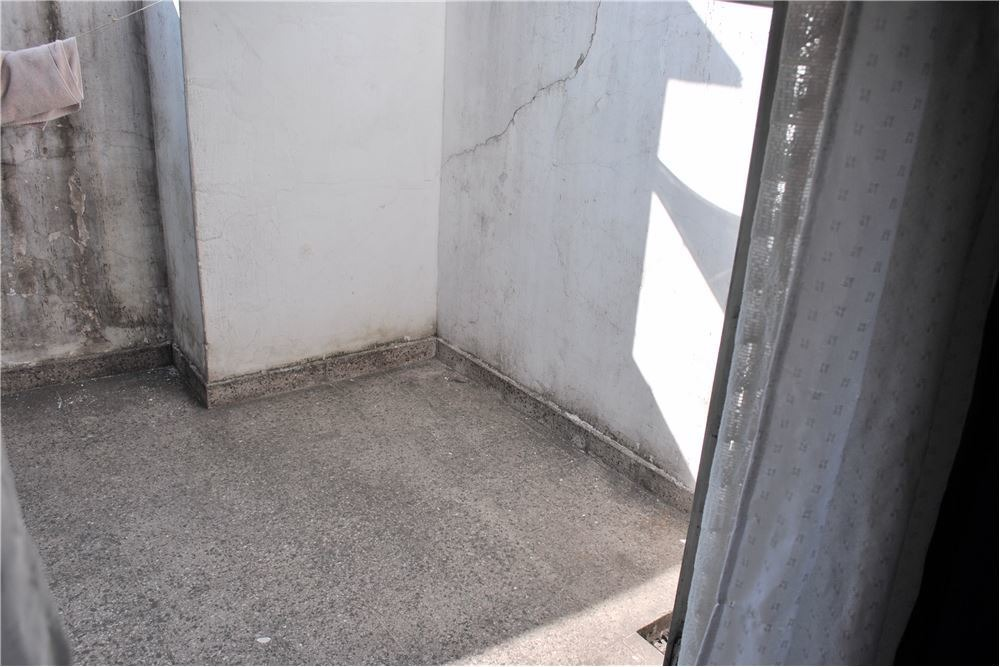 venta ph. en avellaneda. 3 plantas y terraza