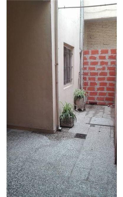 venta ph en planta baja con patio sin expensas