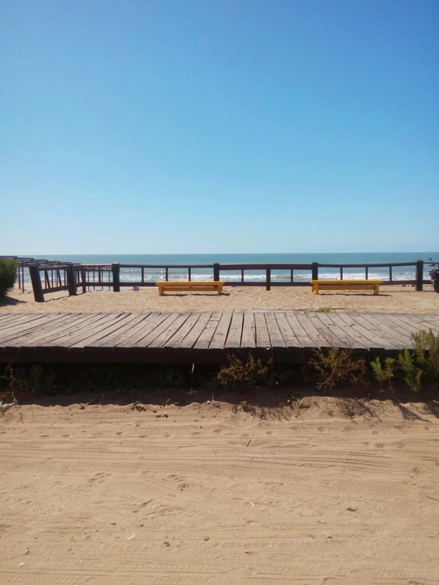 venta ph frente al mar zona centro villa gesell (cod. v1000)