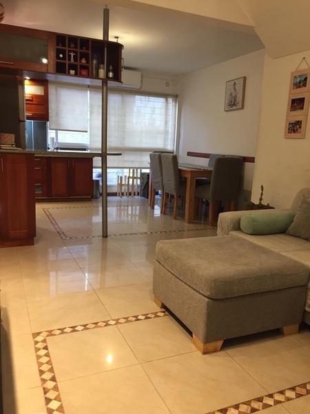 venta ph o triplex de 4 ambientes con quincho y terraza  - monte castro