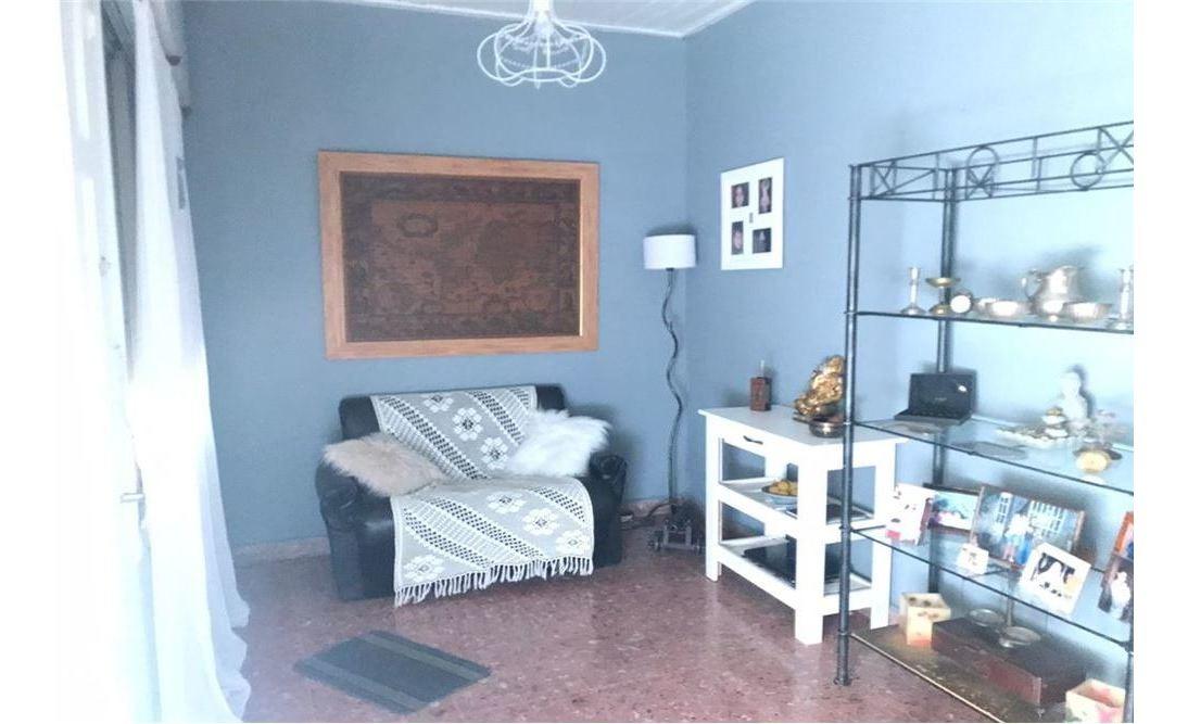 venta ph san fernando 6 ambientes, 2 baños, 2 patios, terraza, parrilla y local.