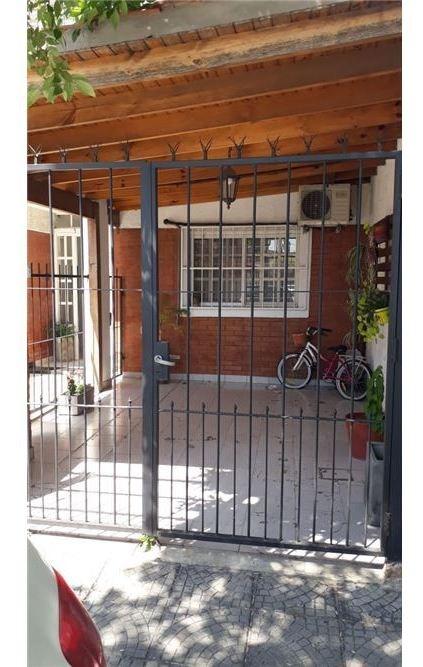 venta ph t/ casa 3 amb c/patio y cochera mataderos