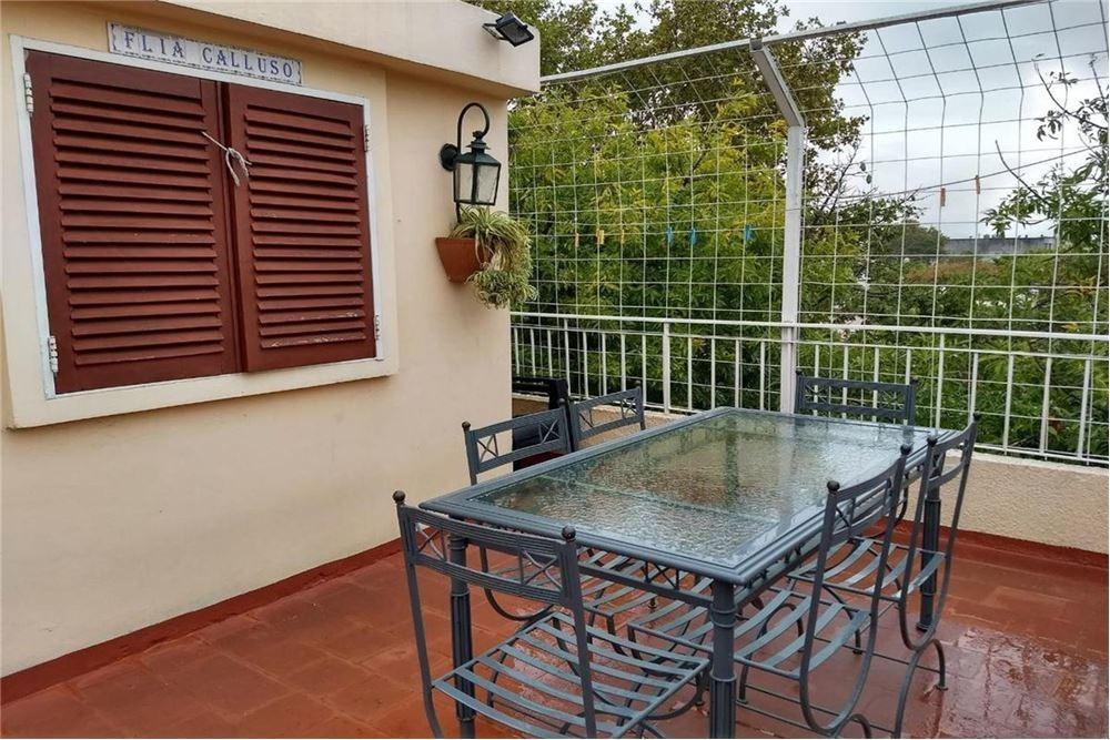 venta ph tipo casa, 4 ambientes en villa urquiza.