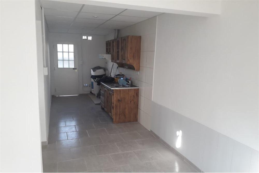 venta ph tipo casa en garin 2 ambientes