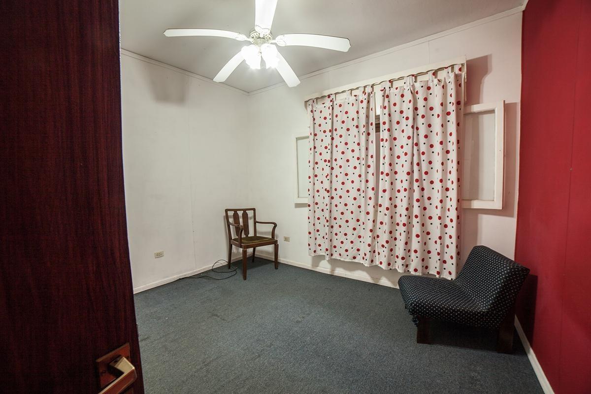 venta ph tipo casa en planta baja de 4amb 2dor 2coch fondo lavadero s/expensas