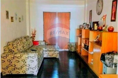 venta piso 3 dormitorios, pileta y quincho.
