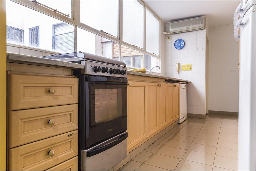 venta, piso 4 amb luminoso,dependencia y cochera