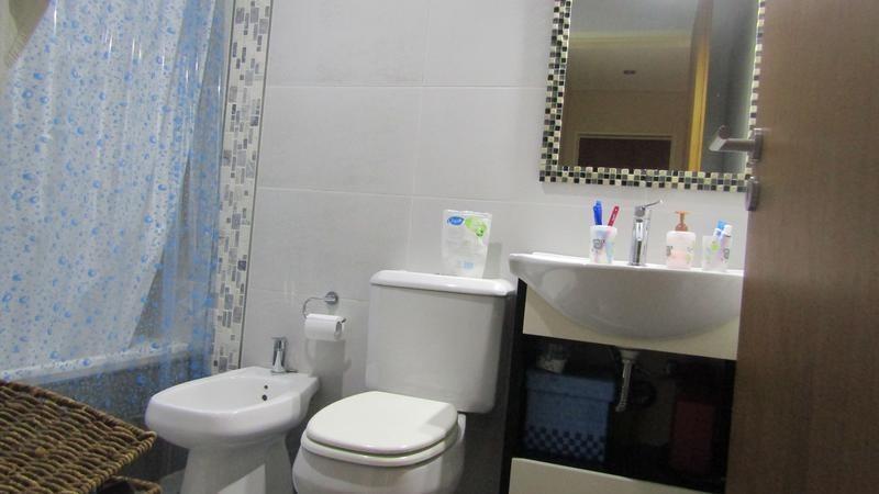 venta- piso 4 ambientes en quilmes - doble cochera y bauleras- expensas bajas !