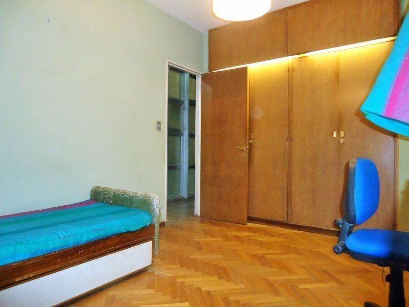 venta piso 5 dormitorios con cochera y baulera, la plata.
