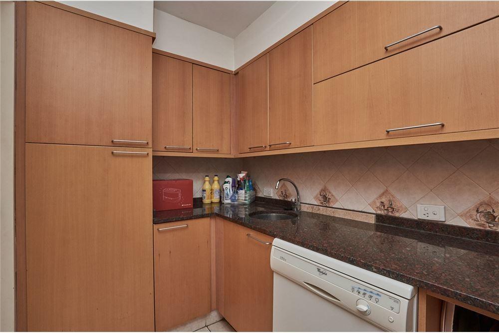 venta piso 6 ambientes cochera y baulera belgrano
