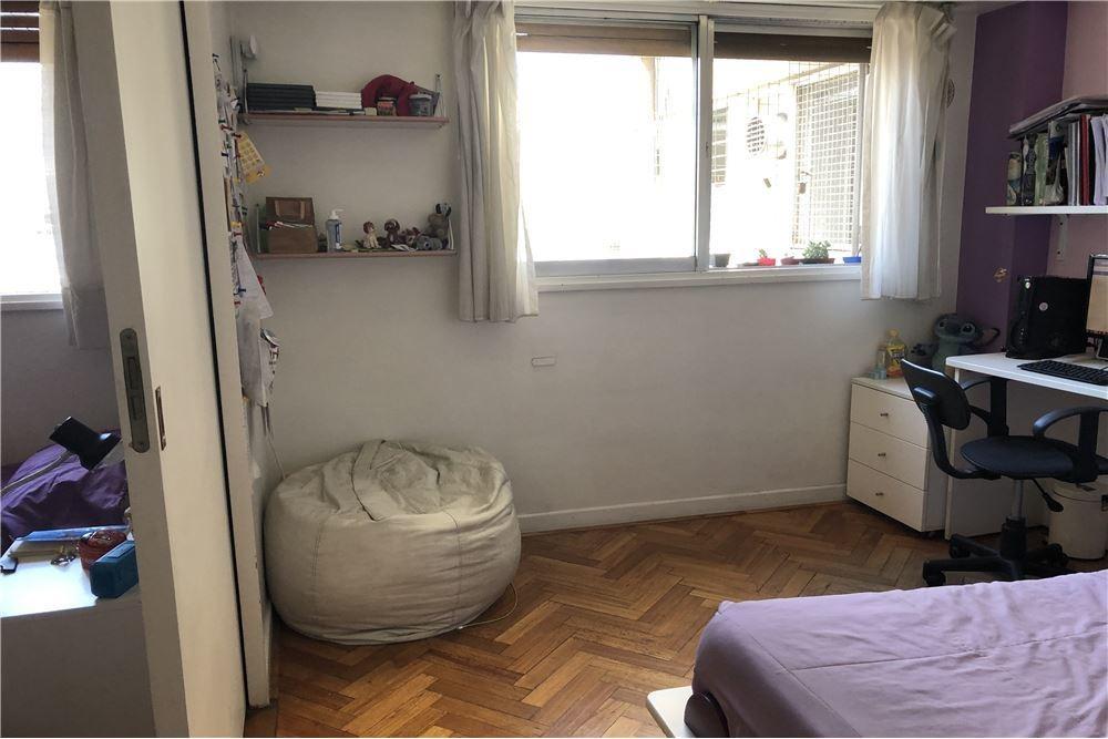 venta piso con balcon terraza/cochera/recoleta