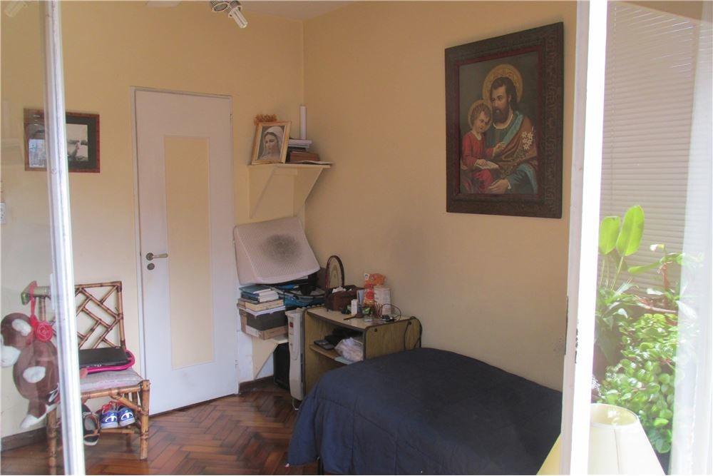 venta piso de 4 ambientes c/dep. terraza -recoleta