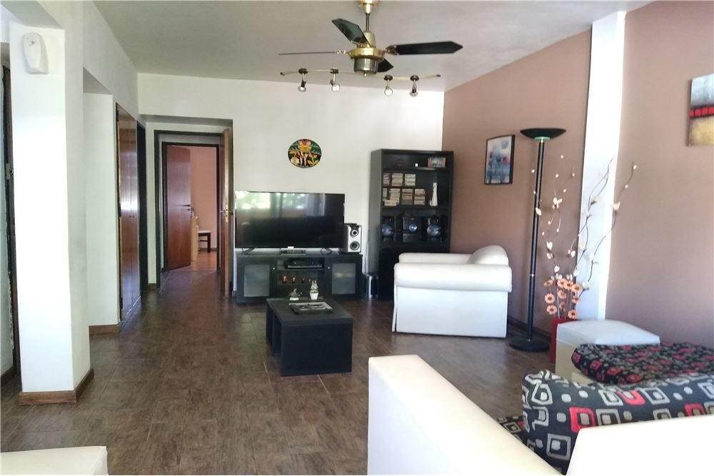 venta - piso/depto - 4 ambientes - flores -cochera