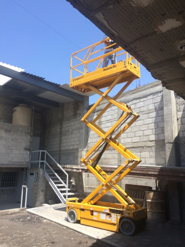 venta plataforma de tijera eléctrica 8 m. compact8 haulotte