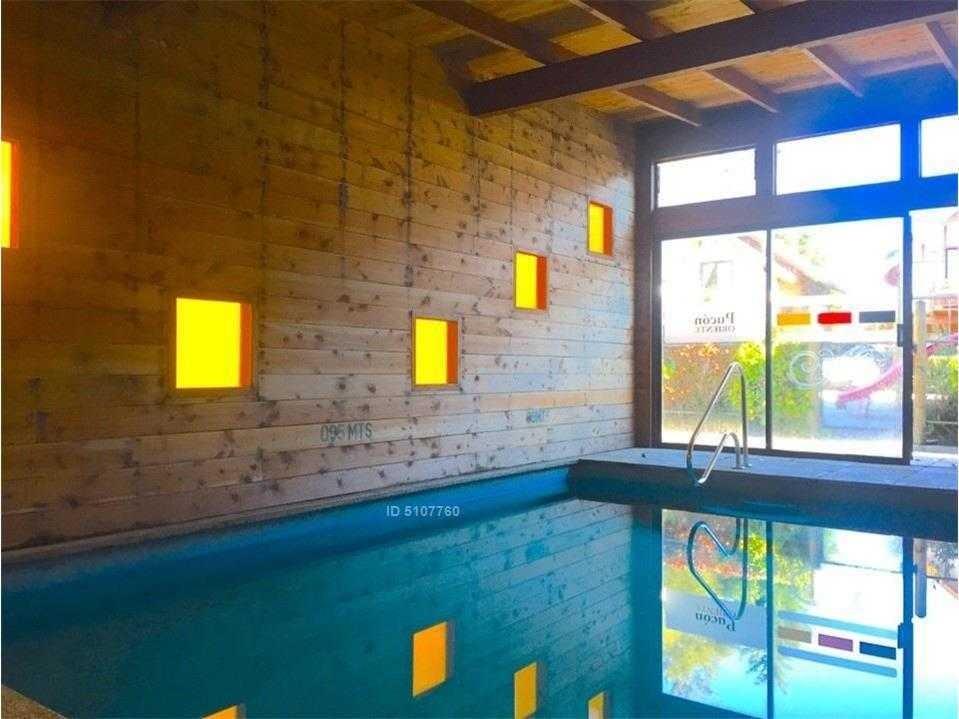 venta precioso negocio de 9 cabañas con piscina temperada / pucón