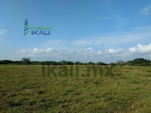 venta rancho 100 hectáreas frente laguna tamiahua veracruz. cuenta con un frente de 500 metros a la laguna de tamiahua con una hermosa vista y una largura de 2000 metros, servicio de energía eléctric