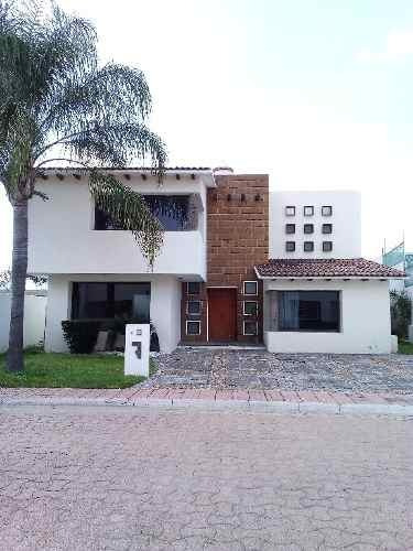 venta  residencia en fraccionamiento rincon campestre. excelente ubicación y precio oportunidad para
