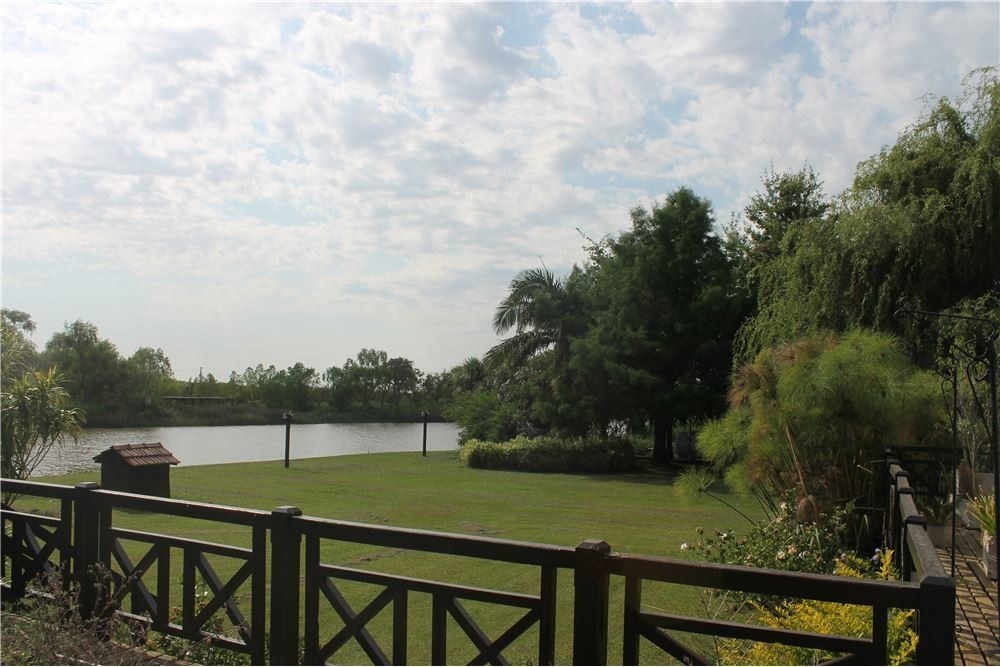 venta residencia, isla tigre, piscina,amarradero