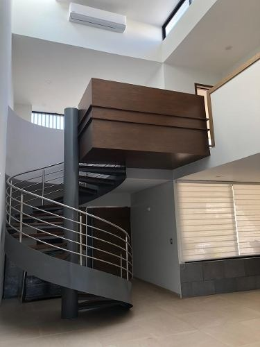 venta residencia nueva con doble altura y espacios amplios