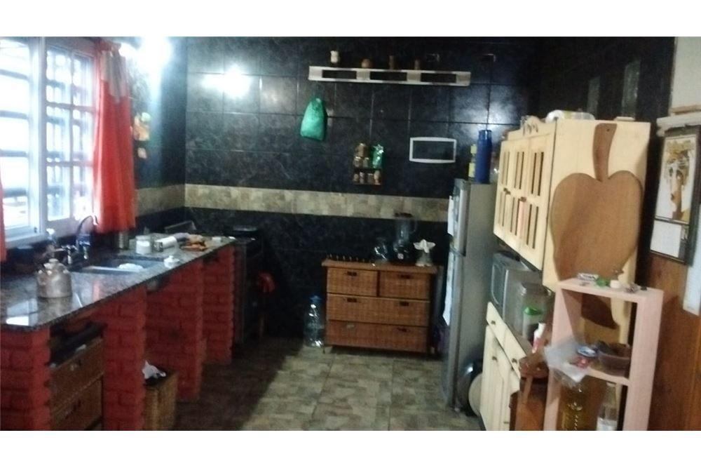 venta salón / 2 duplex 176 entre 82 y 86 - alto de los talas