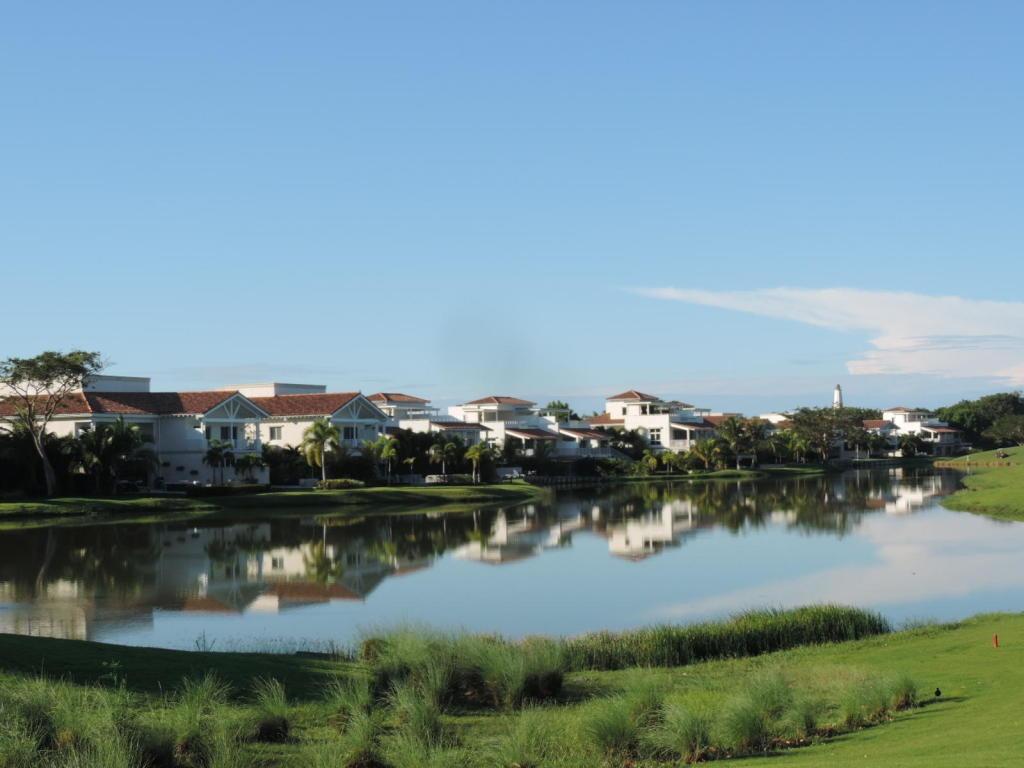 venta serena casa en ocean lake buenaventura panama