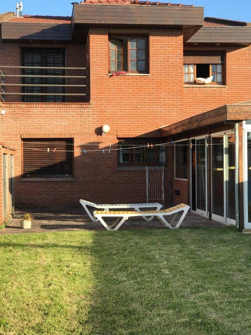 venta solido chalet 6 ambientes garage patio san carlos