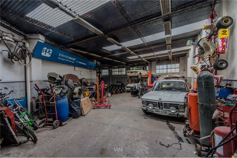 venta taller mecanico de 336 m²  y casa en malvín